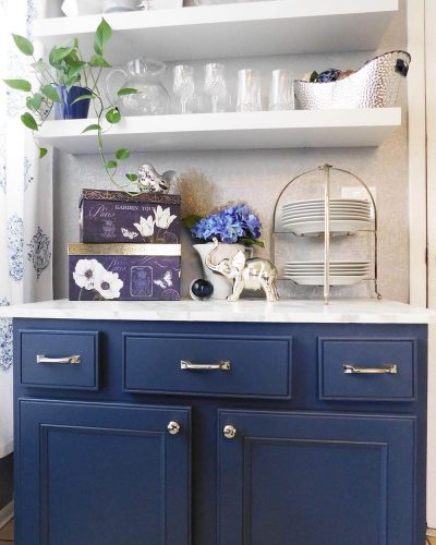 Blue Painted kitchen cabinets using Sherwin Williams Indigo Batik. An easy DIY upgrade to an online garage sale find. Use it as a test before you paint your whole kitchen. #offerup #beforeandafter #paintedfurniture #color #furniture