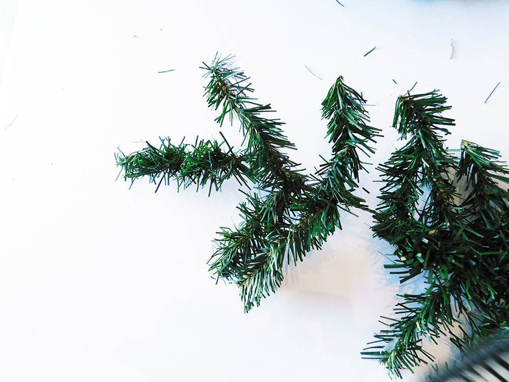 Tip-DIY-Faux-Mini-Christmas-Tree