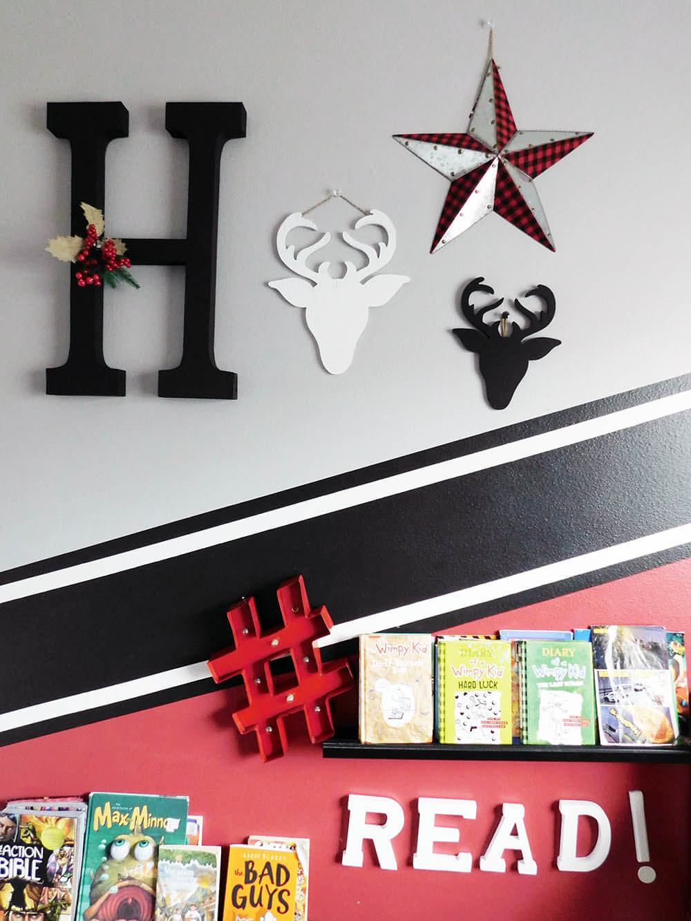 Use Thrifted, DIY and rustic decor to create a Christmas Gallery wall for a boy's bedroom decor. Buffalo check and Deer decorations. #Christmasdecor