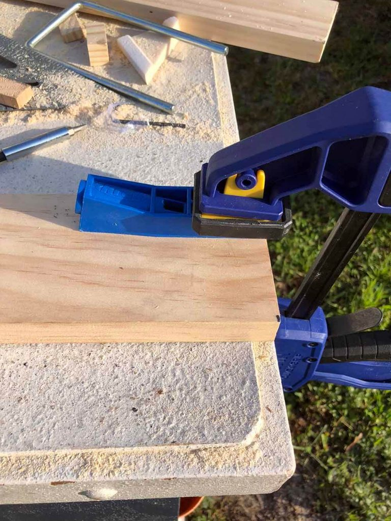 clamp kreg jig to work table