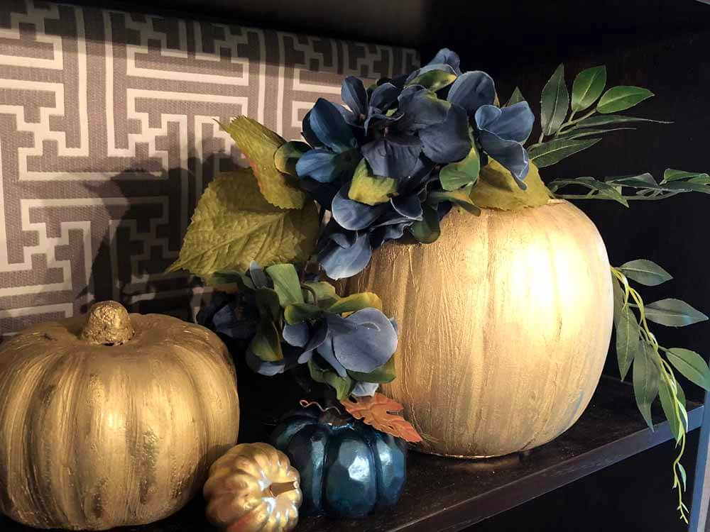 DIY fall decor project idea-gold pumpkin vase